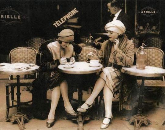 chicas-cafe[1]