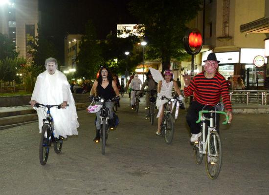 Ciclistas Halloween-8