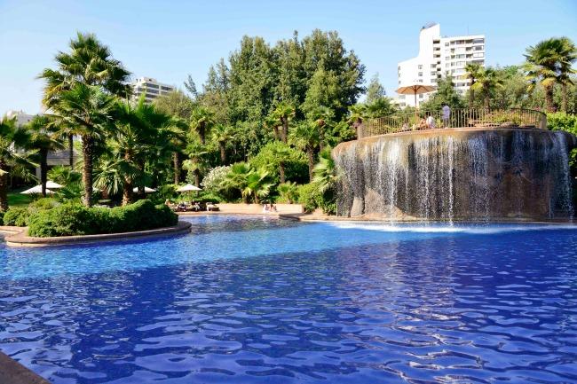 Almuerzo m s piscina en el hotel hyatt finde for Piscina mairena del alcor 2017