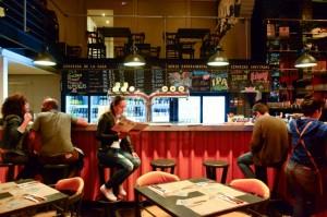 Festejar el Día de la Cerveza toda la semana en Kross Bar