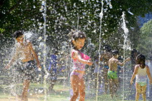 Tres Juegos De Agua Para Olvidarse Del Calor En Santiago Finde