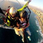Volar sobre el desierto y el mar en Antofagasta