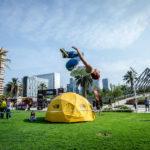 Gratis: Escaladores de lujo en un parque de Las Condes