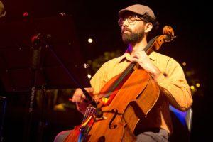 Clotario Blest revive en una cantata de rock y folk