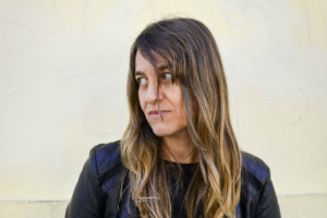 Colombina Parra estrena en vivo su nueva banda rockera