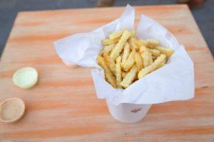 Fries & Bites: el nuevo palacio de la fritanga en Bellavista