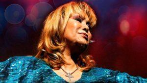 """Palmenia Pizarro: la diva de la canción """"cebolla"""" celebra 55 años de carrera"""
