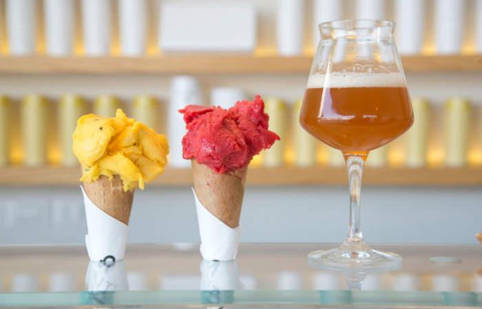 Una cata para probar cervezas premium y helados artesanales