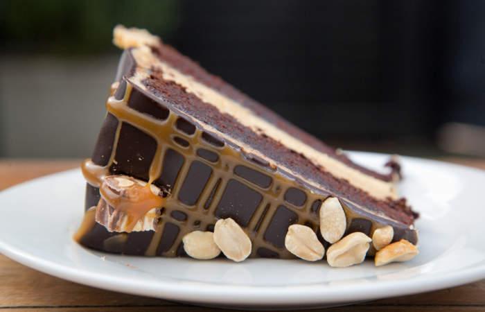 5 postres de Snickers que te volverán loco
