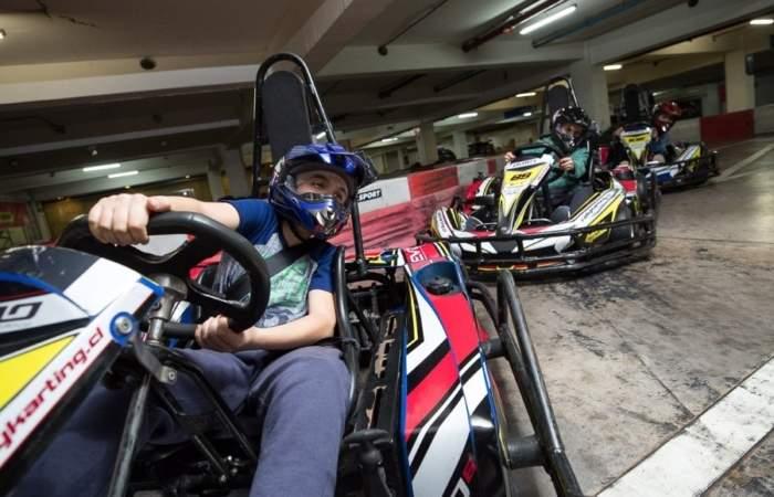 No más carreras en las calles: abrieron un circuito de karting en Mall Sport