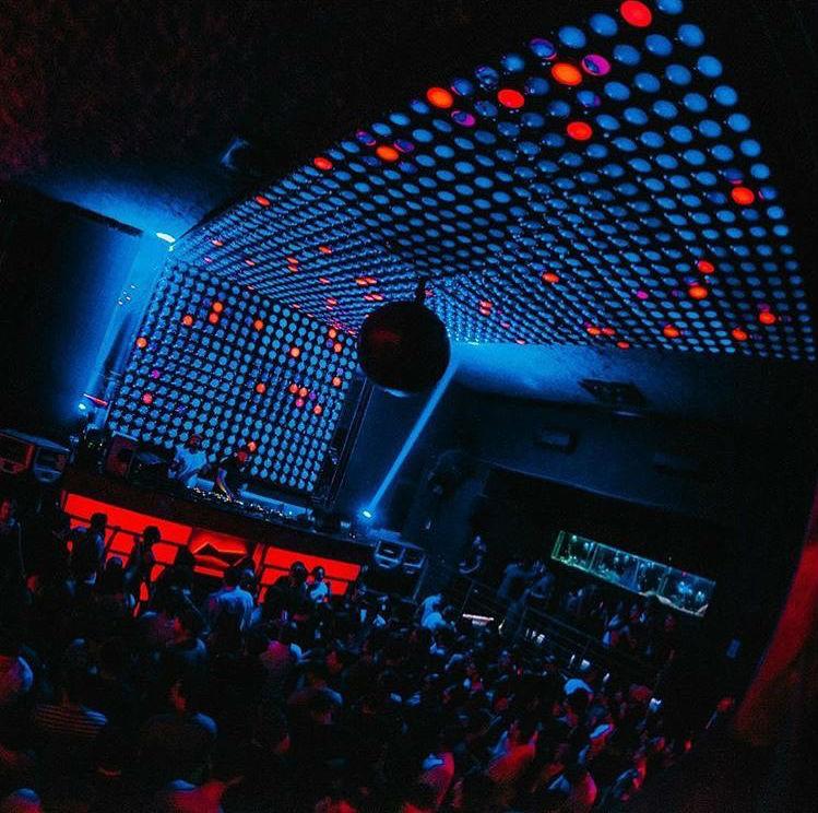 bailar electronica en santiago club la feria