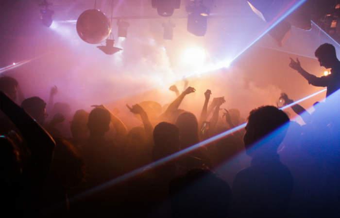 Los mejores clubes para bailar electrónica en Santiago