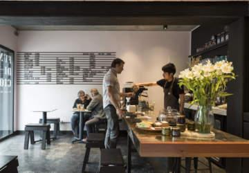 Barra Fundición, el nuevo café de Providencia donde todo se hace a mano