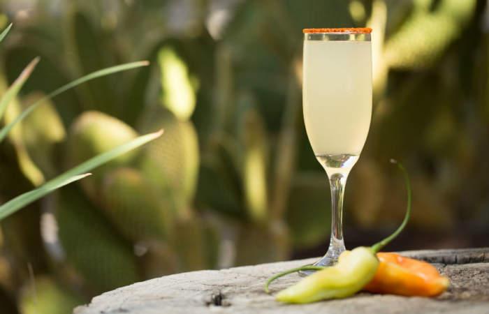#Zona0: la tentadora promoción de Bar Catedral con piscola y sour a luca