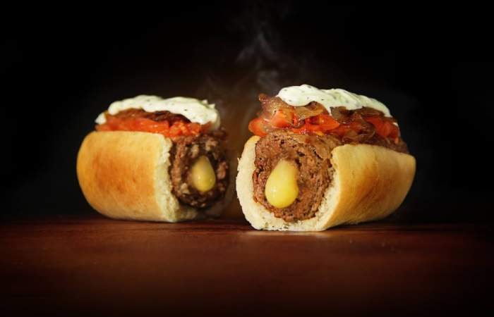 Burgerdog, la mezcla entre hamburguesa y hot dos que la rompe en Providencia