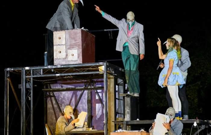 Gratis: Los 6 espectáculos callejeros de Santiago a Mil que no debes perderte