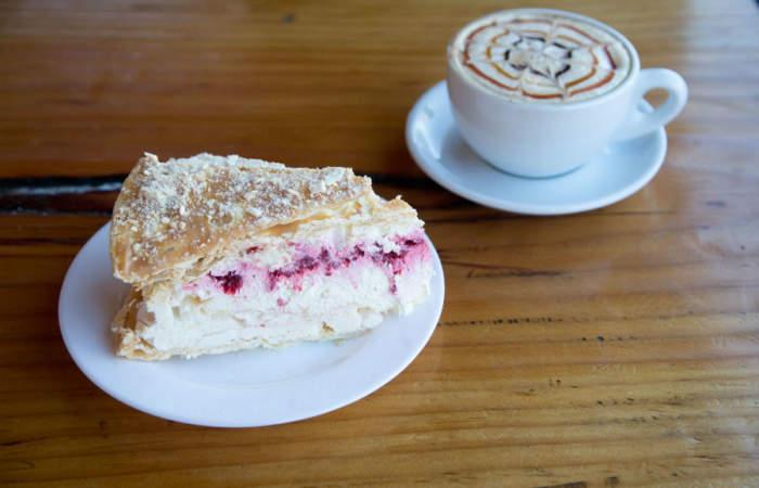 Dos cafés con irresistibles tortas caseras en Panguipulli