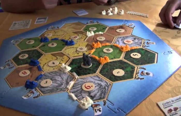 Una guía con los juegos de mesa más entretenidos para un panorama en casa