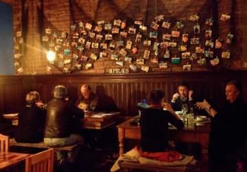 Tres Peces y su cena de Año Nuevo con locos, ostiones, langosta y un bar de ostras