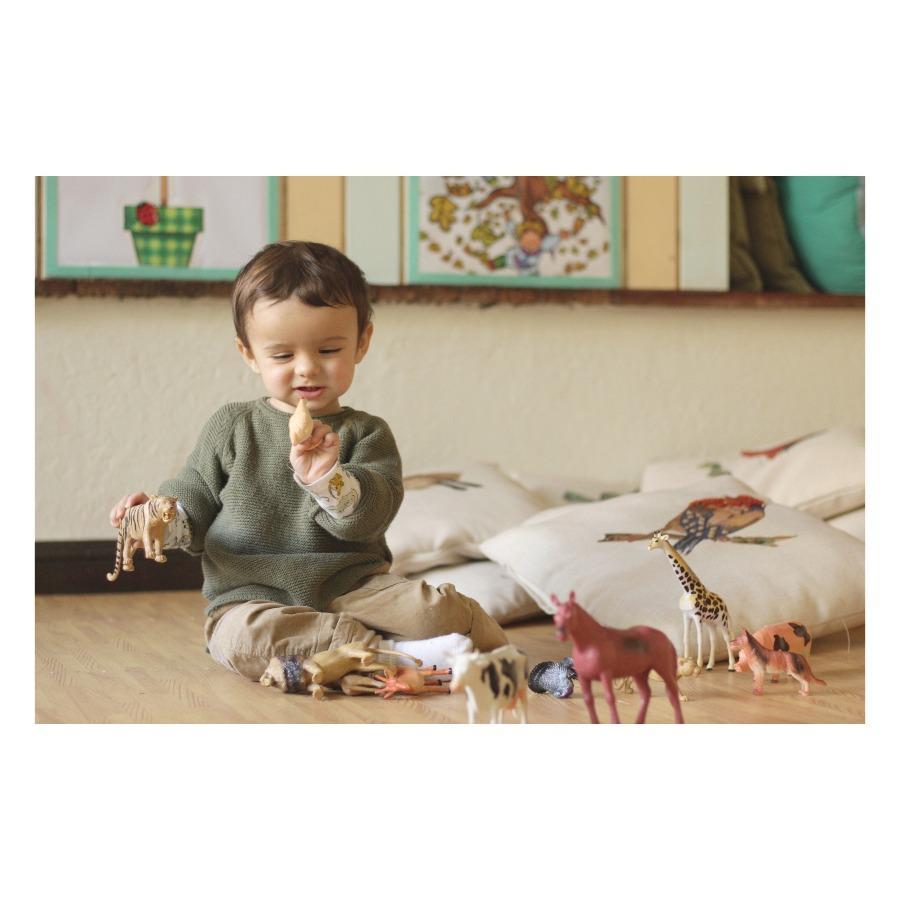 Juegos con agua, manualidades, arte y cocina para niños de 2 años