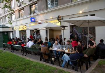 Beer Garden El Mesón, el mejor bar cervecero del centro de Santiago