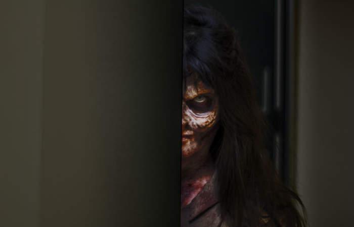 Se viene el Apocalipsis Zombie en un mall abandonado