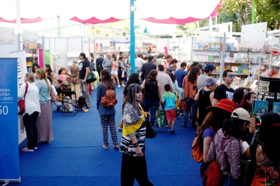 Libros y actividades culturales en la Feria del Libro de Viña del Mar