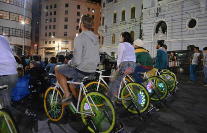 Gratis: El festival en el que verás películas mientras pedaleas una bici