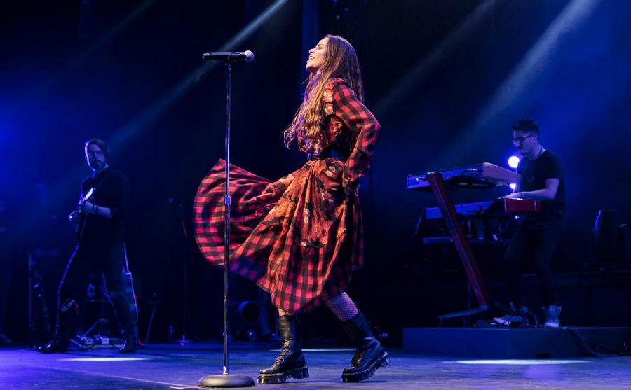 Con concierto de Cami celebrarán los 25 años de la Semana de la Chilenidad