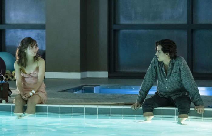 A Dos Metros de Ti: Cuando un romance adolescente derriba todas las barreras