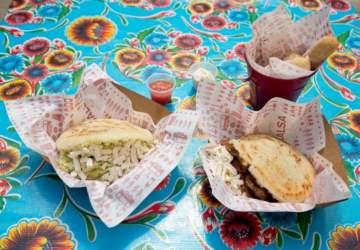 En tu Salsa: Las arepas para llevar que conquistan el Metro Los Leones
