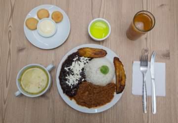 Papelón Sabroso: Un menú con sabor venezolado a pasos de Metro Los Leones