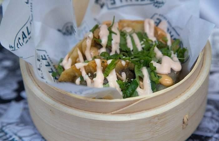DeCalle: El restaurante de cocina callejera y asiática que abrió el Mejor Chef del Año