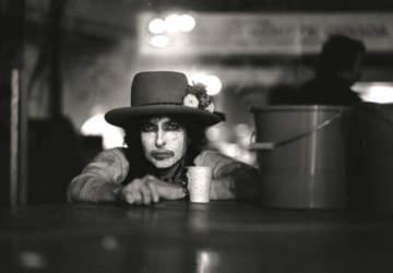 Así fue Rolling Thunder Revue, la mítica gira que inspiró el documental de Bob Dylan en Netflix