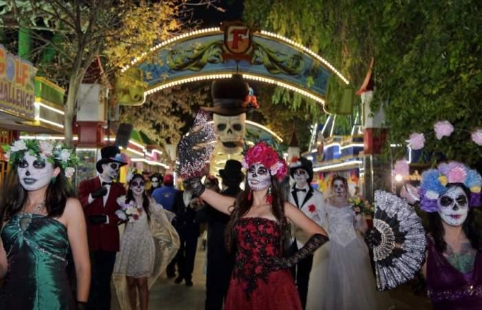 Carnaval de muertos en Fantasilandia