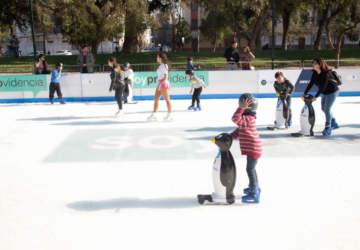 ¡Reabre la entretenida pista de patinaje en el Parque Bustamante!