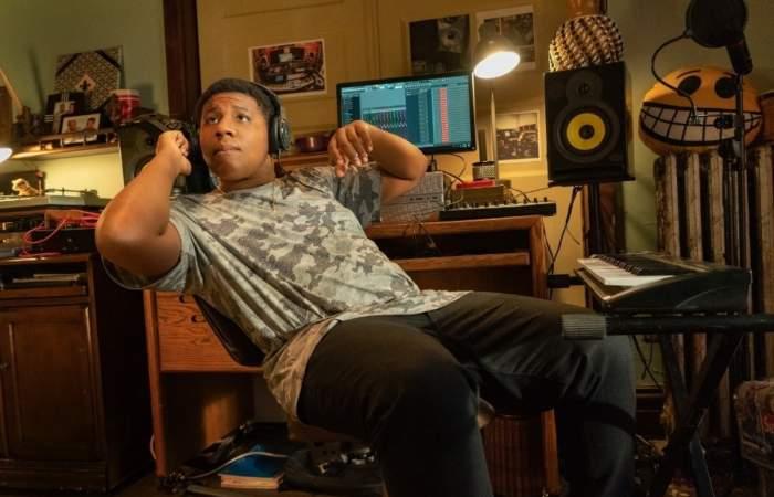 Beats: La emocionante historia de un joven aspirante a hiphopero en Chicago