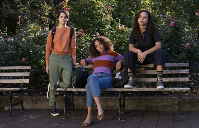 Trinkets: Robar en tiendas es un arte en la nueva serie juvenil de Netflix