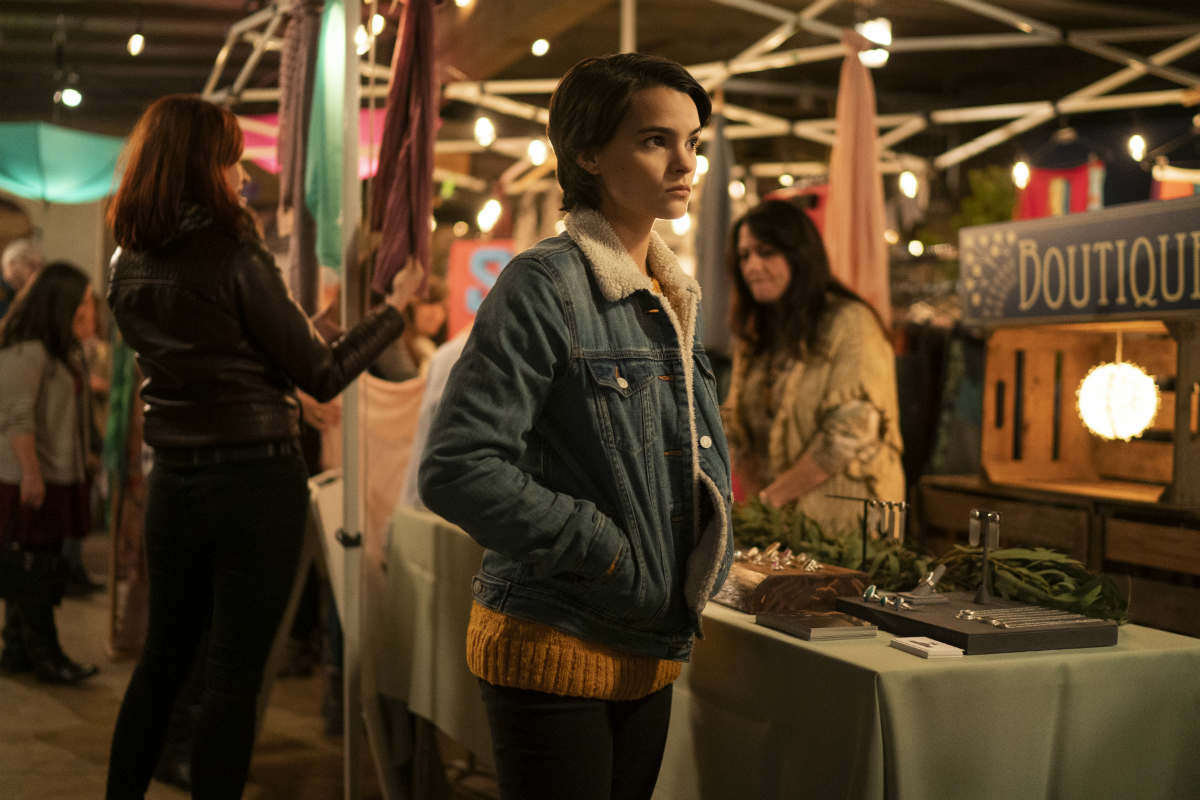 Brianna Hildebrand en Trinkets | Netflix