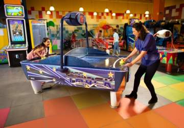 Family Park, el nuevo centro de entretenciones con camas elásticas y piscinas de pelotas