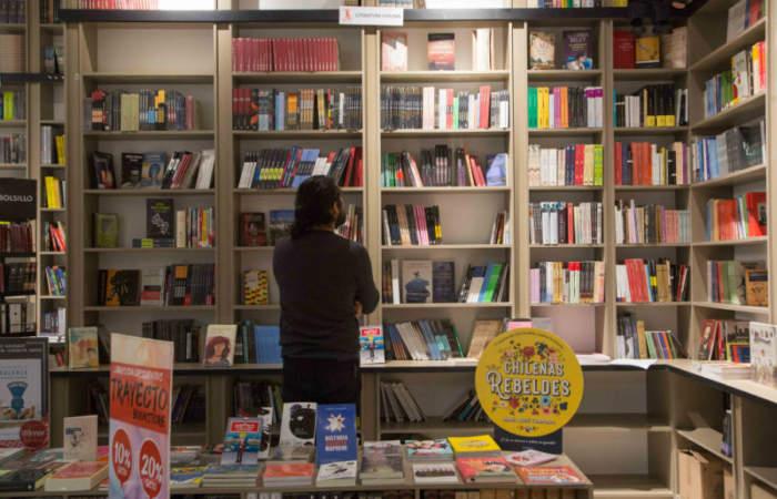 Ya abrió la primera librería dentro del Metro de Santiago