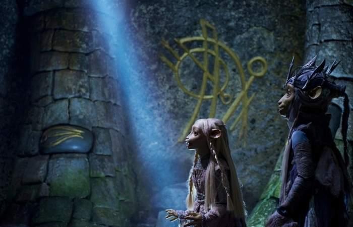 La magia de las marionetas se toma Netflix a fin de mes con El Cristal Encantado, La Era de la Resistencia