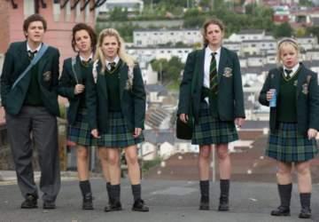 Vuelve Derry Girls, una oda a los años 90
