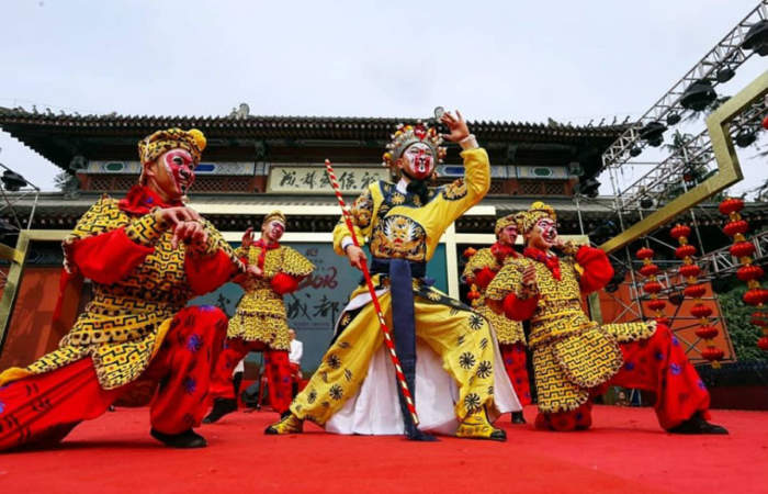 Fesiluz, el festival con un millón de linternas chinas que iluminará el Parque de la Familia