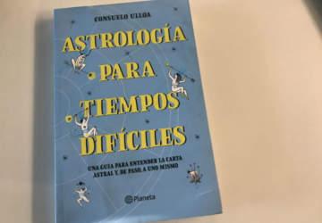Astrología para tiempos difíciles: por qué leer estos días a Miau Astral