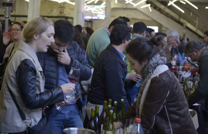 Resiste, una feria en el persa Biobío para degustar todo el vino que quieras