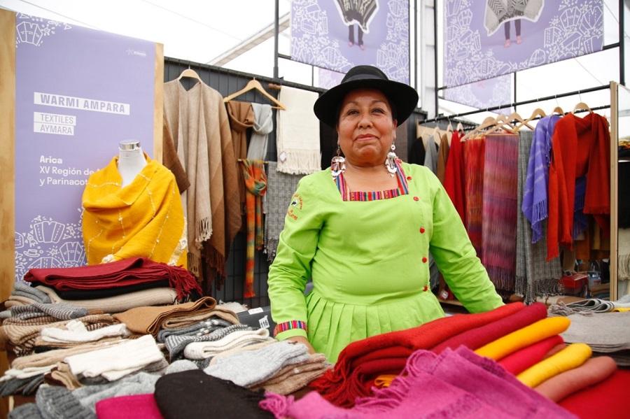 Muestra de Artesanía UC lleva al Parque Araucano el trabajo de más de 80 artesanos