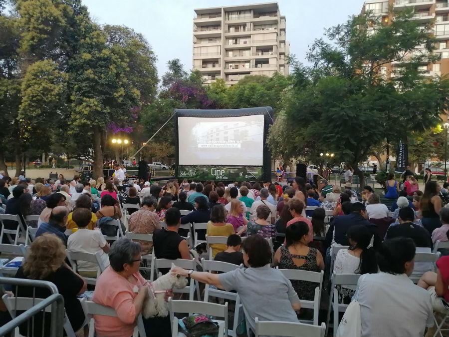 Noches de cine al aire libre y gratis en el Parque Inés de Suárez