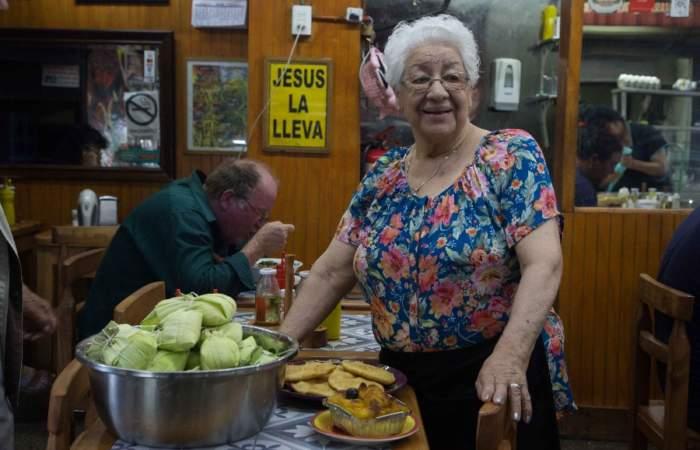 Donde La Tita: el hit de la humita y el pastel de choclo en La Vega Chica
