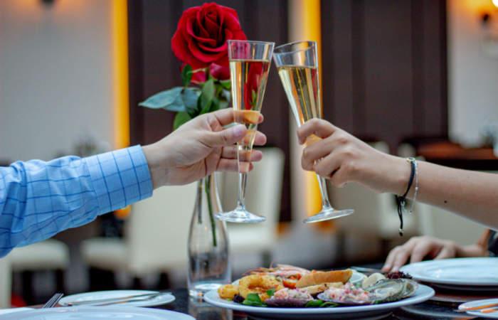 Las cenas más románticas para pasar San Valentín cerca del Mar